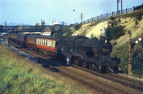 62660 Butler-Henderson Killamarsh Robinson D11 4-4-0