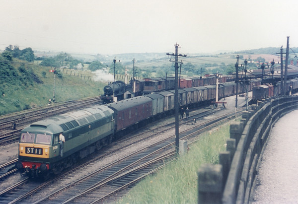 D1738  unknown location Brush Type 4 (class 47)