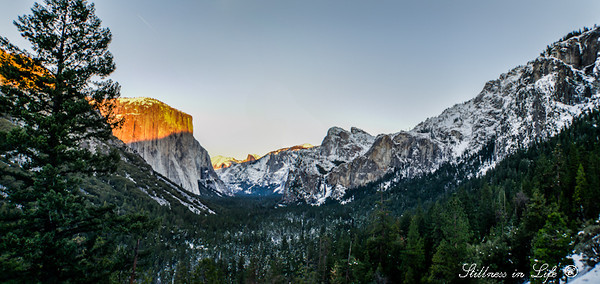 Sunset in Yosemite at Tunnel View over looking the Yosemite Valley.