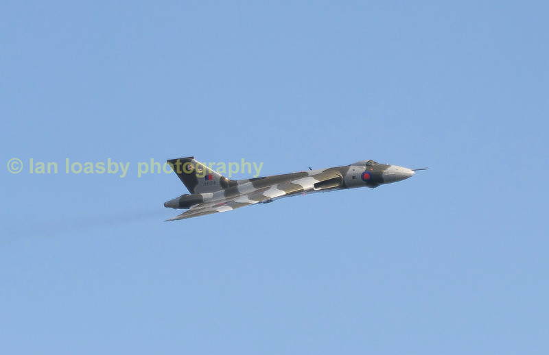 Vulcan bomber XH558 on one of her final flights