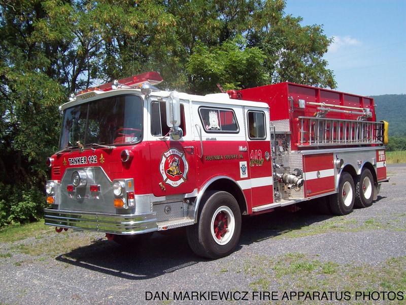 BEAVER TWP. FIRE CO. FORMER TANKER 142 1972 MACK/98 SWAB TANKER