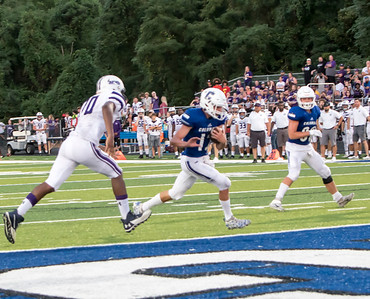 1F1A2455 jpg Dom Voegele goes in for a td in first q giving Col a 14 to 7 lead