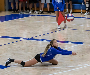 1F1A2889 jpg CHS Alexa Hildebrand makes a dig during Columbia win over the catholics