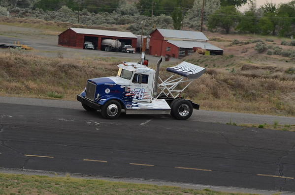 Rolling Thunder Big Rigs 05-19-2012