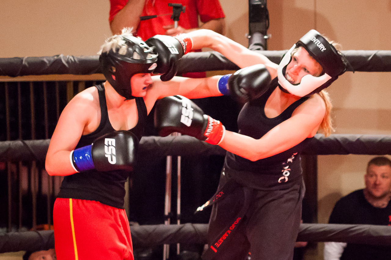 2 Kickboxing Nov 2013_1104