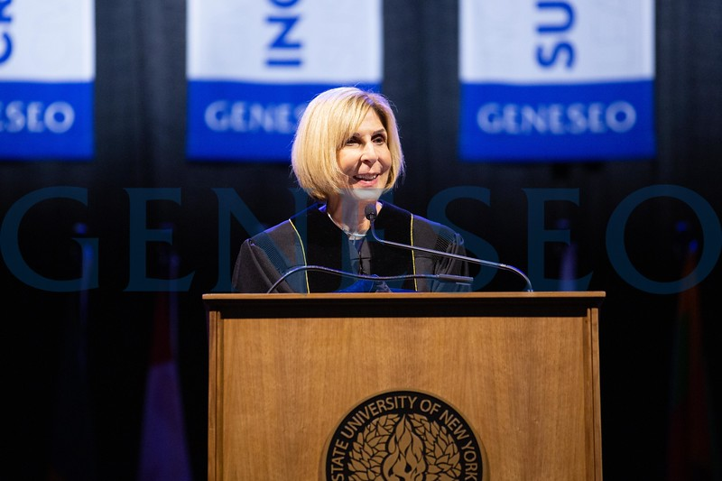 Jeri Muoio '69 delivers the commencement address