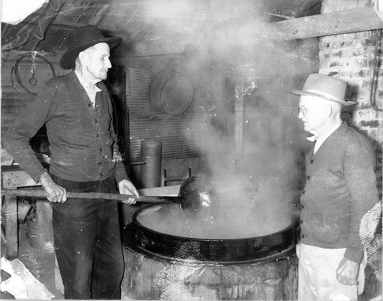 Bill Boykin and C Bullock cooking cane syrup