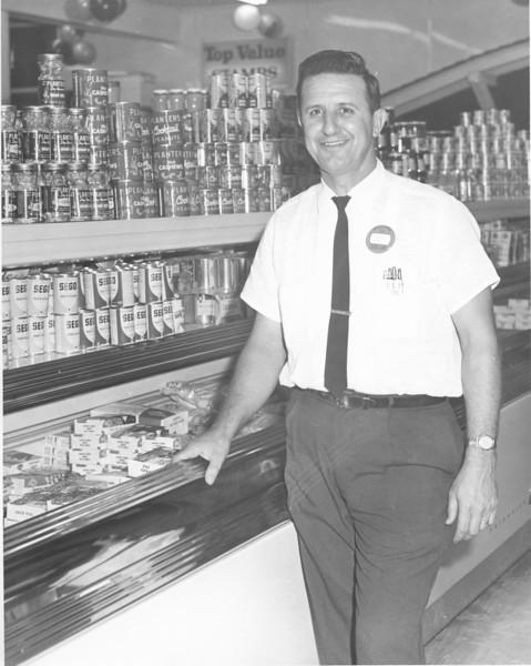 Levin's Super Market, A.J. Dorminey, manager