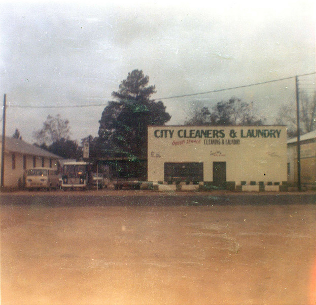 City Cleaners, 511 South Davis Street, 1966 or before