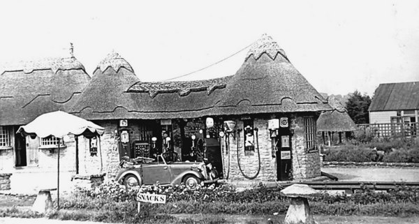 <font size=3><u> - KCB Filling Station - 1930 - </u></font> (BS0372)   The beautiful thatching would not pass 21st century regulations!