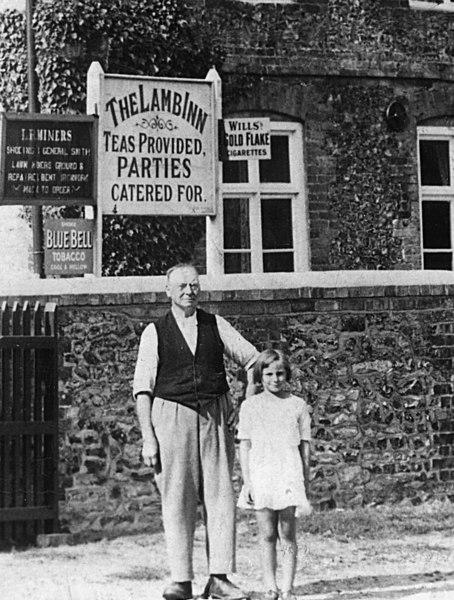 <center><font size=3><u> - Lamb Inn - </u></font> (BS0228) </center>  Mr Diamond and daughter.  A detail from BS0227 above.