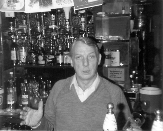 <center><font size=3><u> - Crown Hotel - 1977 - </u></font> (BS0155) </center>  Dennis Beavis, Landlord.