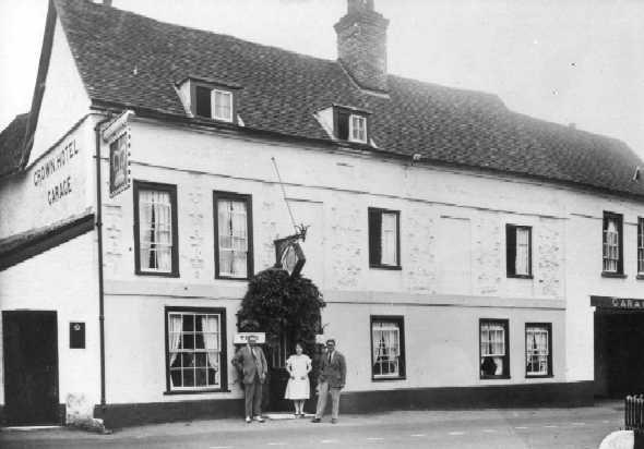 <font size=3><u> - Crown Hotel - 1920/30s </u></font> (BS0075)