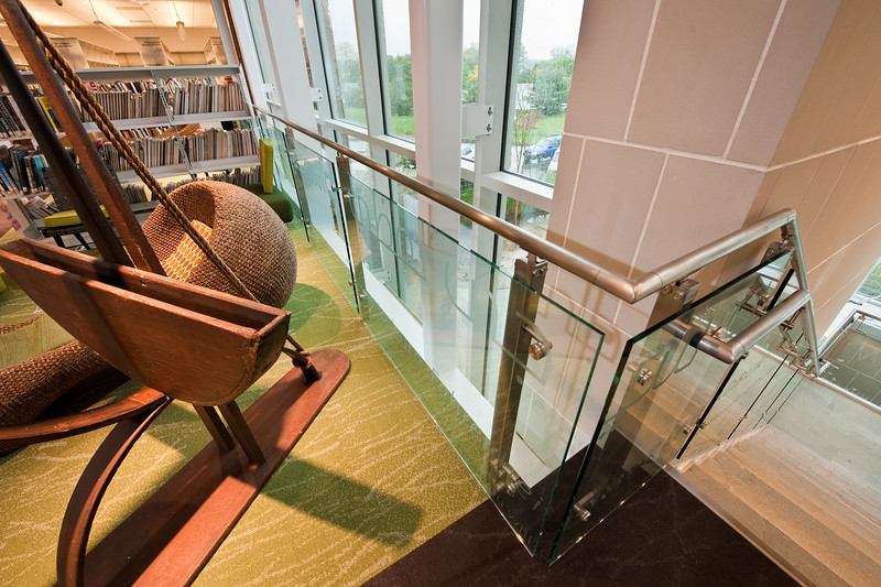 100426_Library-2_53-2
