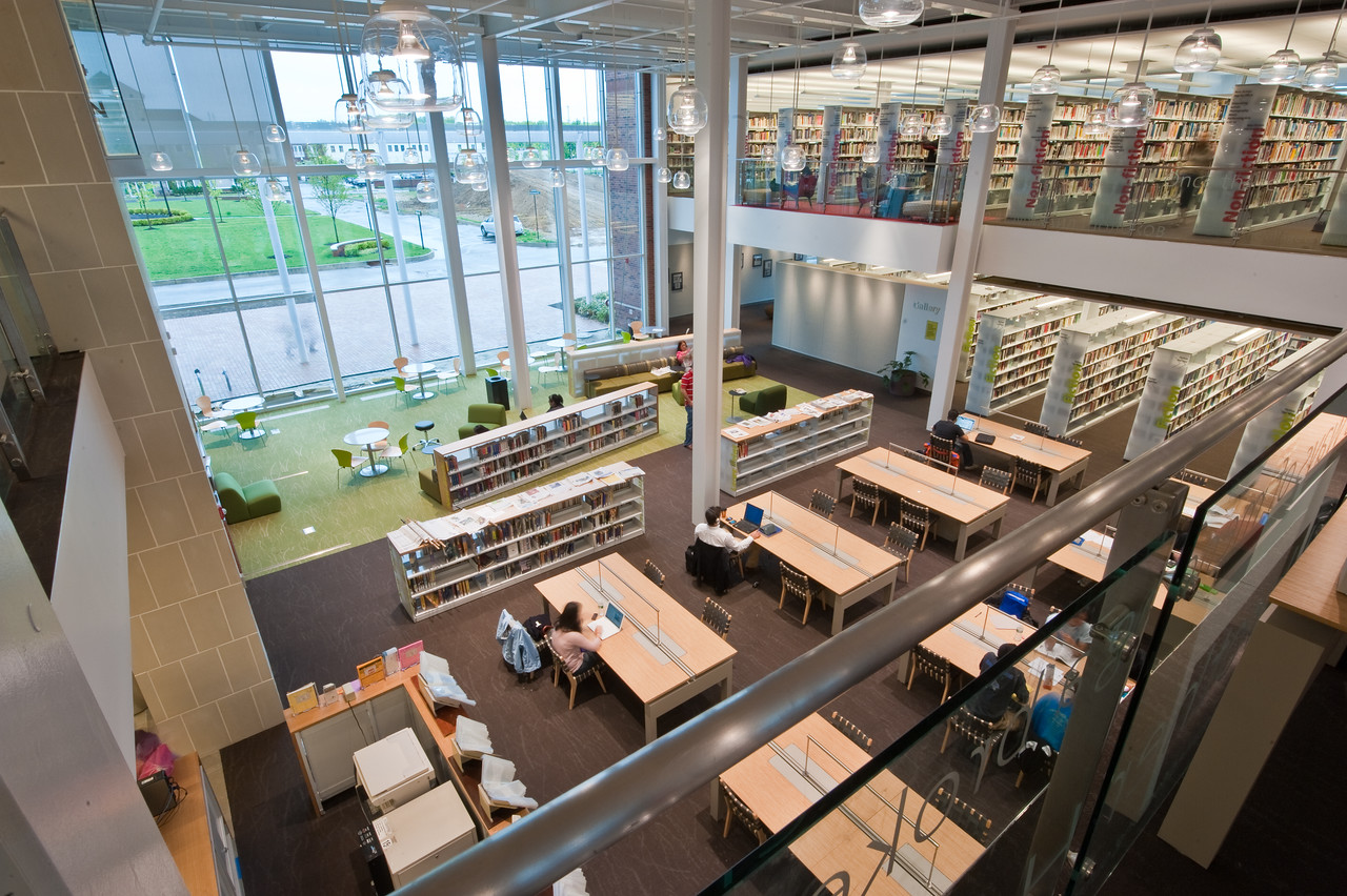 100426_Library-2_109-2