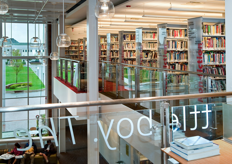 100426_Library-2_77