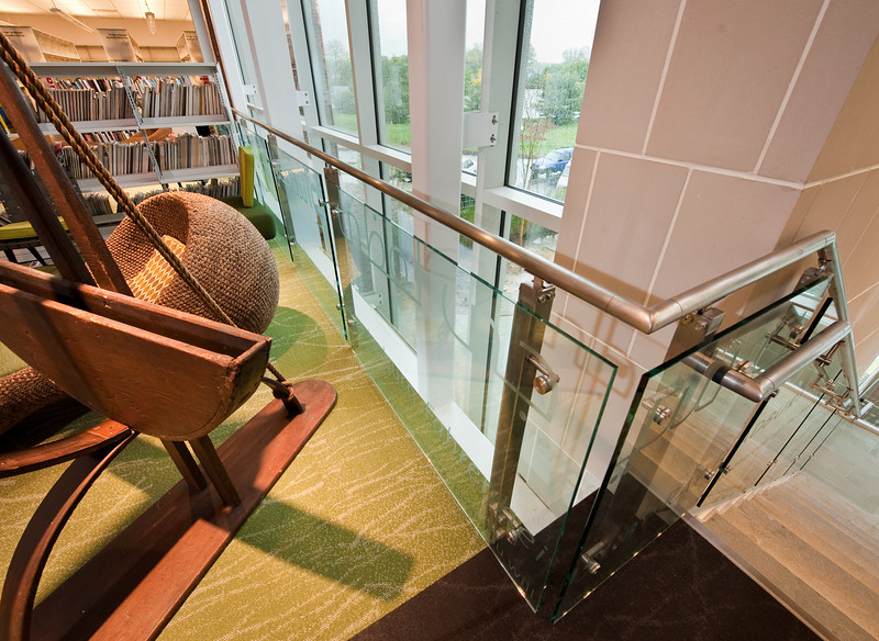 100426_Library-2_53