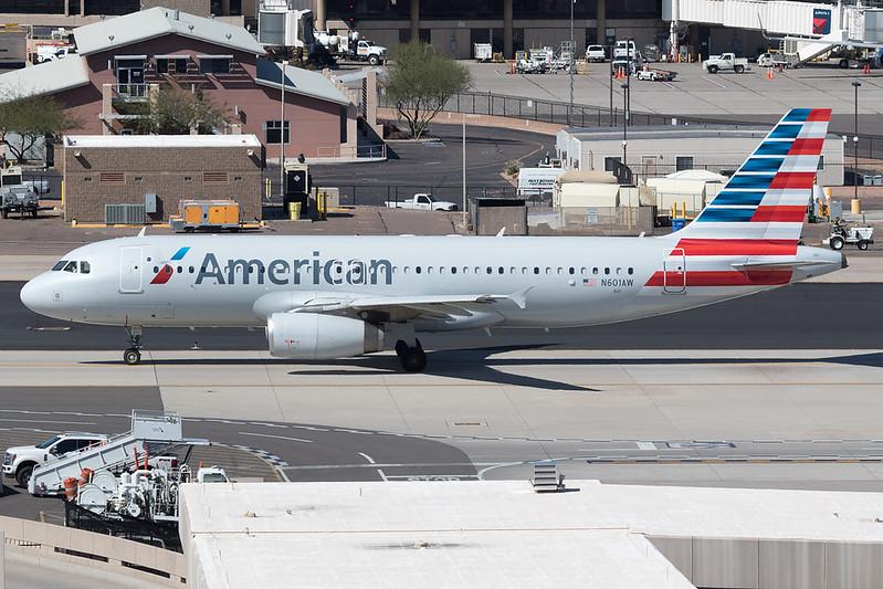AAL531 PHXRNO<br /> <br /> Phoenix Sky Harbor International Airport | PHX / KPHX<br /> Phoenix, Arizona<br /> <br /> [Canon EOS 7D Mark II + EF 100-400 f4.5-5.6L IS USM]