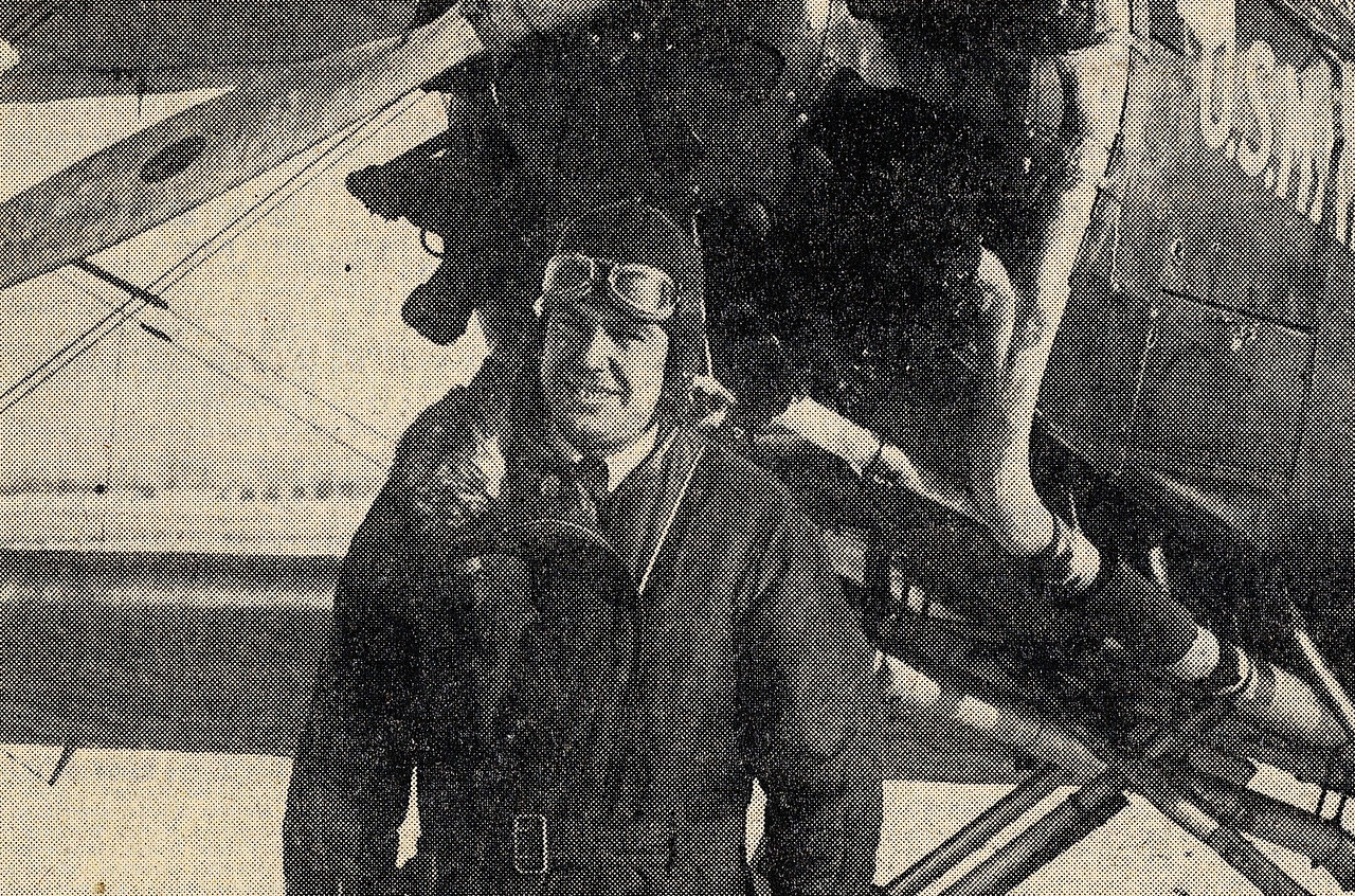 THE FLIGHT CREW OF TWA FLIGHT 3<br /> <br /> Wayne Williams, photographed during the winter of 1930 when he was flying airmail between St. Louis and Chicago for Universal Airlines. (Lostflights Photo)