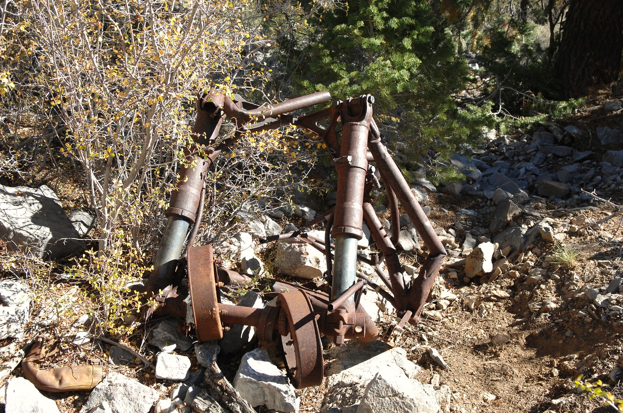 The other landing gear and strut assembly was located a short distance down the slope. (Lostflights Photo)