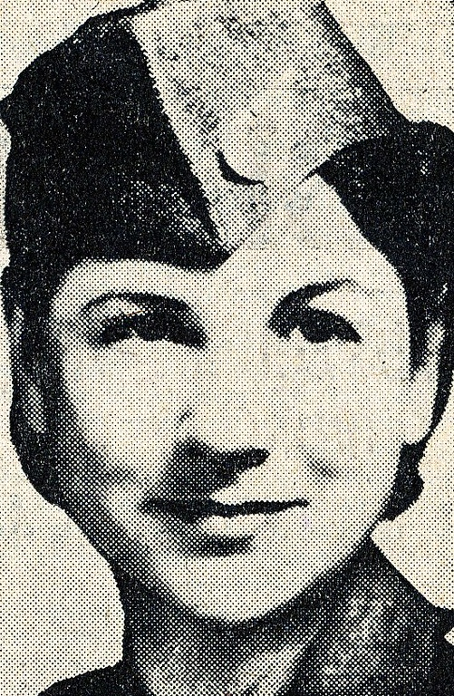 Hostess Alice Francis Getz age 25, was employed by TWA on April 4, 1939. On April 23, 1940, she was transferred to Burbank, California, flying regular schedules to and from Albuquerque. <br /> <br /> As with all Flight Attendants at the time, Miss Getz was also required to be a Registered Nurse.