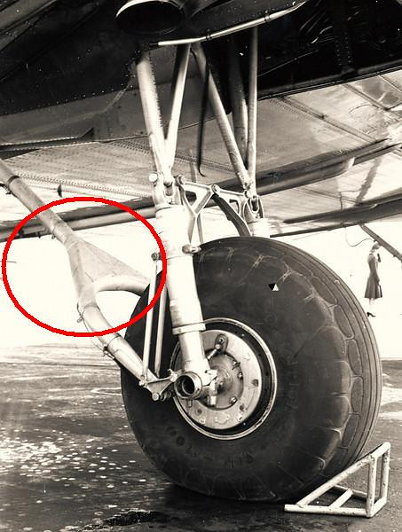 This photo illustrates the original position of the landing gear brace leg.