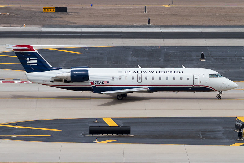 2001 Bombardier CRJ-200ER (CL-600-2B19) C/N 7559<br /> Phoenix Sky Harbor International Airport | PHX / KPHX<br /> Phoenix, Arizona<br /> <br /> [Canon EOS 7D + Sigma 80-400mm f4.5-5.6 EX DG OS]