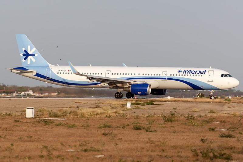 2017 Airbus A321-211(WL) C/N 7879<br /> AIJ2524 MEXMID<br /> <br /> Manuel Crescencio Rejon Intl Airport (MID | MMMD)<br /> Merida, Yucatan <br /> Mexico<br /> <br /> [Canon EOS 1D Mark III + EF 100-400mm f4.5-5.6L USM]