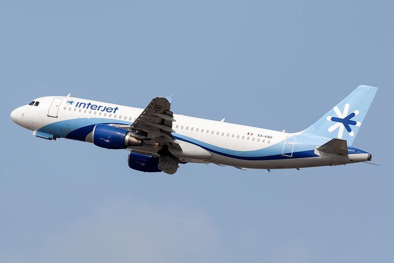 2005 Airbus A320-214 C/N 2539<br /> AIJ304 TLCCUN / TLCMIDMEX WX CUN<br /> <br /> Manuel Crescencio Rejon Intl Airport (MID | MMMD)<br /> Merida, Yucatan <br /> Mexico<br /> <br /> [Canon EOS 1D Mark III + EF 100-400mm f4.5-5.6L USM]