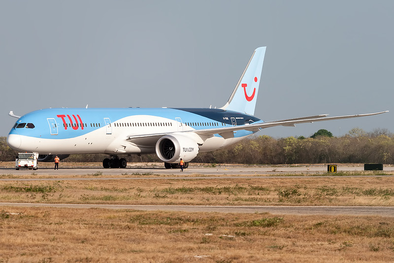 2017 Boeing 787-9 Dreamliner C/N 44579<br /> TOM182 MANCUN / MANMID WX CUN<br /> <br /> Manuel Crescencio Rejon Intl Airport (MID | MMMD)<br /> Merida, Yucatan <br /> Mexico<br /> <br /> [Canon EOS 1D Mark III + EF 100-400mm f4.5-5.6L USM]