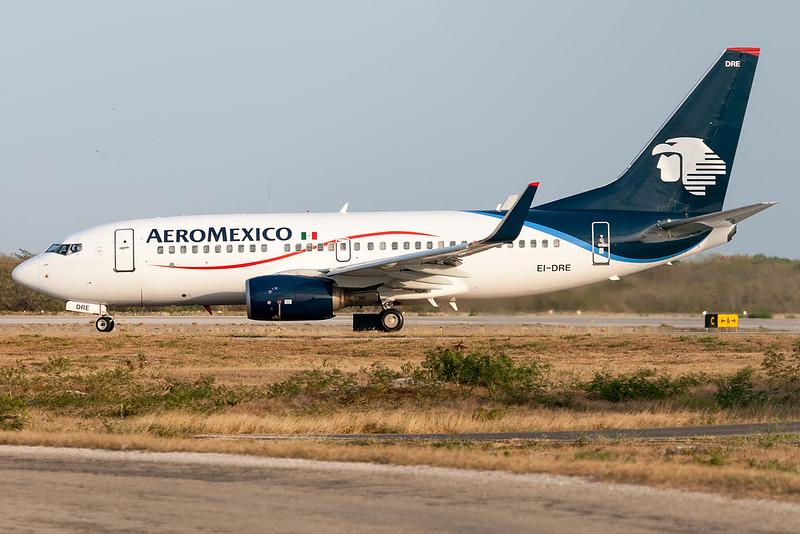 2006 Boeing 737-752 C/N 35787<br /> AMX526 MIDMEX<br /> <br /> Manuel Crescencio Rejon Intl Airport (MID | MMMD)<br /> Merida, Yucatan <br /> Mexico<br /> <br /> [Canon EOS 1D Mark III + EF 100-400mm f4.5-5.6L USM]