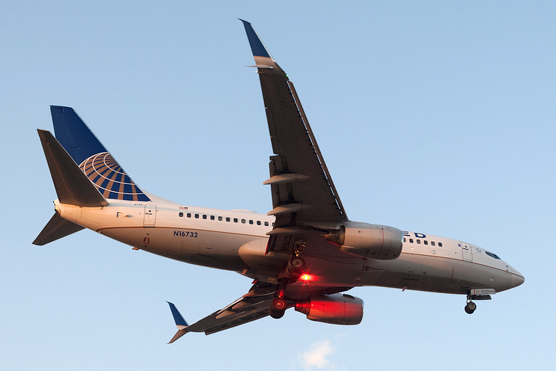 United Airlines Boeing 737-700 N16732 MMMD 17MAR18