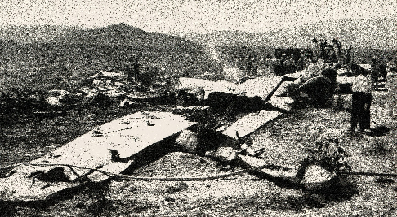 After the Civil Aeronautics Board on-site investigation, the large fragments were taken to a hangar at Nellis Air Force Base for further analysis. <br /> <br /> United Air Lines was faced with a clean-up operation that resulted in bulldozers and grading equipment to be brought in and bury the impact site to conceal it from curiosity seekers.