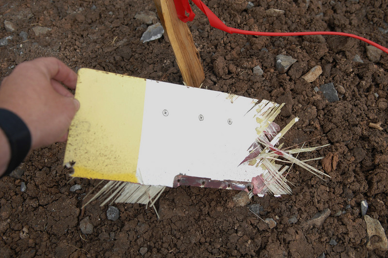 The white/yellow paint scheme was consistant with the Classic Lifeguard helicopter main rotor blades. This fragment in particular was from the rotor blade tip (upper side). (2008 LostFlights)
