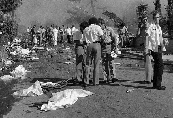 This newspaper photo taken in 1978 of Boundary Street shows the carnage of human remains. A majority of the occupants from Flight 182 were deposited here.