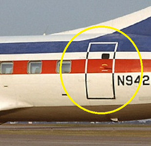 This photograph depicts the location of the <br /> left-aft cabin door on a Texas International Convair 600 Airliner.