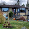 Seasons Above the Bay Guest Suites and B&B - Cowichan Bay, Vancouver Island, BC, Canada