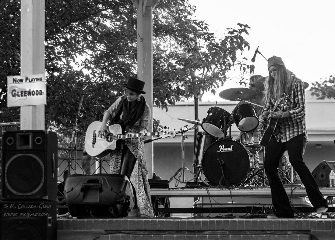 Gleewood on the Plaza for Socorrofest