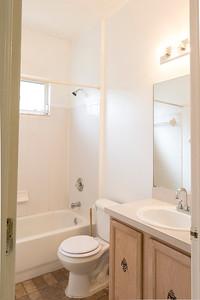 10306 Birdwatch bathroom-11