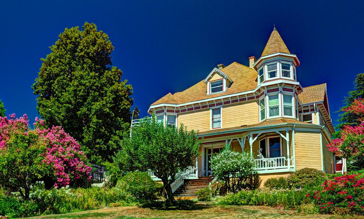 Swan-Levine House