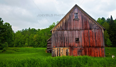 A barn in Vermont along US Route 2.