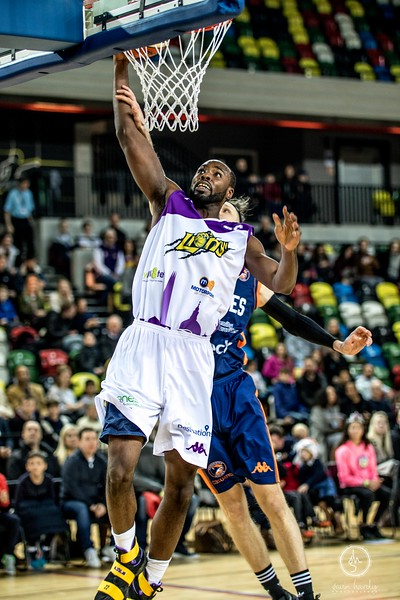 London Lions v Worcester Wolves