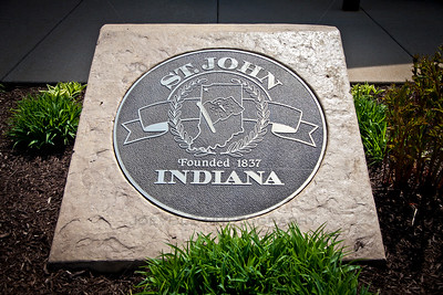 St John, Indiana Seal Monument