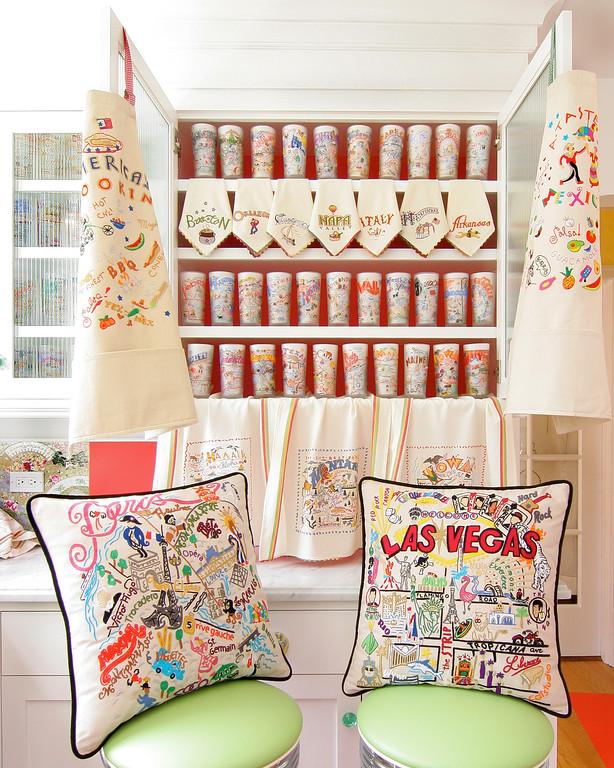 "Cat Studio  <a href=""http://www.2catstudio.com"">http://www.2catstudio.com</a>"