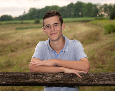 20180822-Nick_Patti_Senior_Portraits-11X14Standout-0102