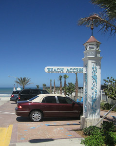331864 - 95 - Daytona Beach FL - Custom Sign Post