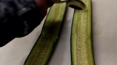 Pesto Cucumber Sammy