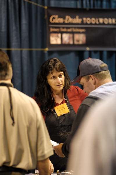 Linda Rosengarten, Ron Hock's wife. Linda makes us feel like kids coming home from school to cookies and milk. And she watches out for us, makes sure we're getting enough good food to eat during the event (ask any exhibitor--it's hard to eat right at these things) I got caught by Linda buying a Cincinnati bratwurst during the show. Later, I had a granola bar and and apple. Linda, I hope you're reading this.
