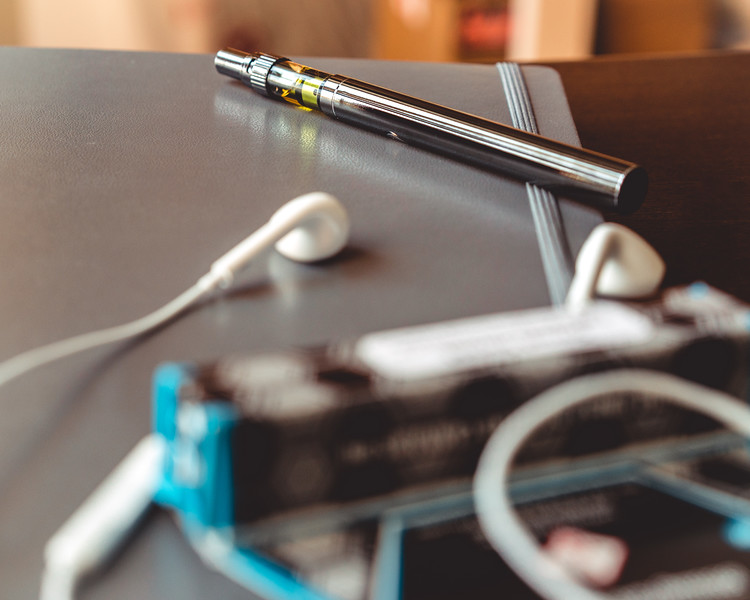 Xhale Vape Pen | Product Photography