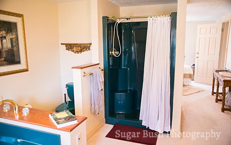 White Quilt Room Shower